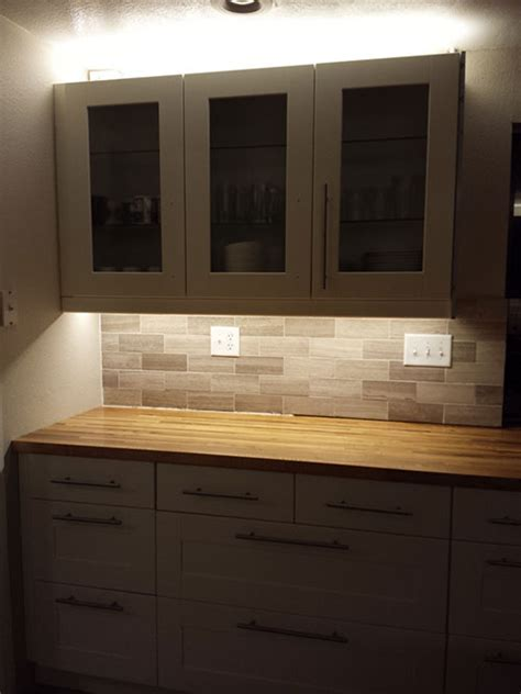 Our Kitchen Reno   Light Rails and Under Cabinet Lighting