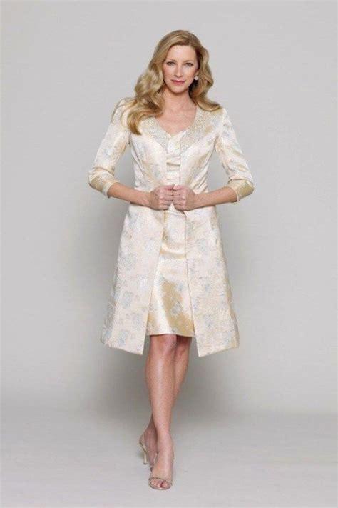 die top  kleid standesamt aeltere braut modetrends