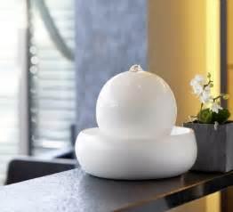 schlafzimmer gestalten feng shui stilvolle zimmerbrunnen fürs wohnzimmer trendomat