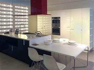 Cucina con isola ernestomeda carr scontata del 49 for Cucine angolari ernestomeda
