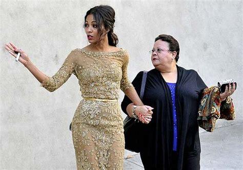 Emotional Zoe Saldana pays tribute to mother | Hollywood ...