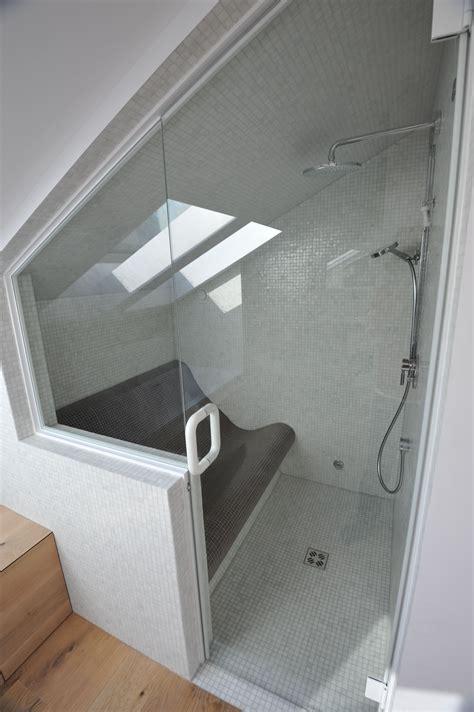Kleines Badezimmer Dachschräge by Steam Room Dfbad In Dachschr 228 Ge Bad Badezimmer