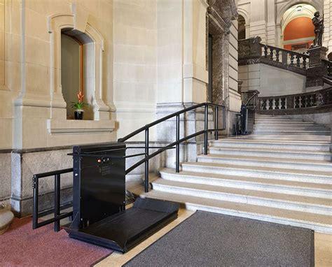 plateforme 233 l 233 vatrice sur escalier aratal