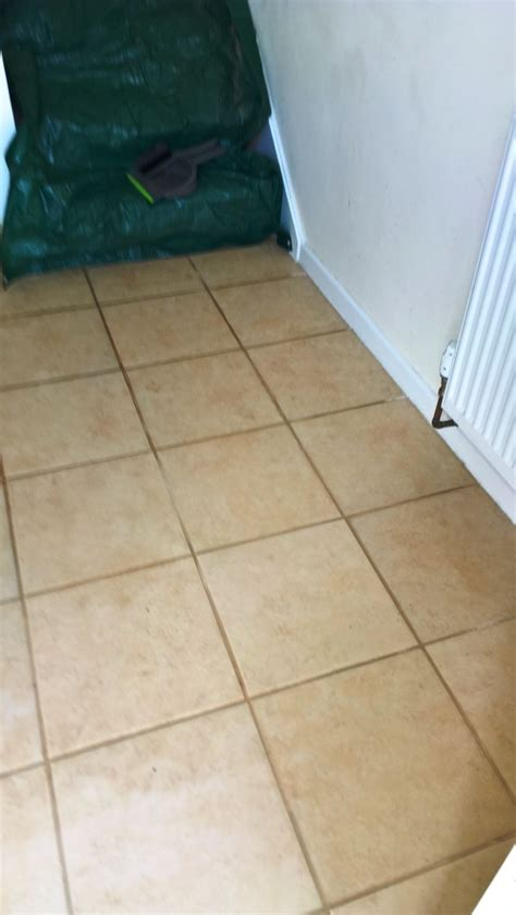 ceramic tiles and grout lines rejuvenated in a gloucester