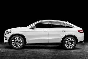 Dernier 4x4 Bmw : new mercedes benz gle coupe visually compared with the bmw x6 carscoops ~ New.letsfixerimages.club Revue des Voitures