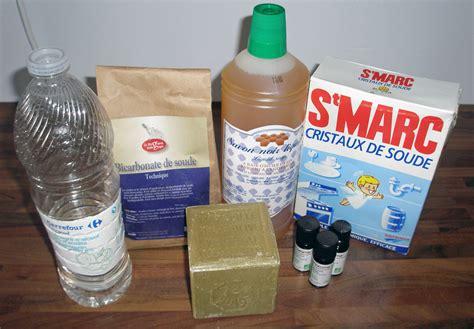 bicarbonate de soude nettoyage canapé nettoyant écologique vinaigre blanc et bicarbonate de