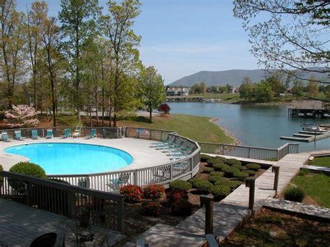 Virginia's blue ridge is now open in the phase three stage of the commonwealth's forward virginia plan. Bernard's Landing (Moneta, VA) - Resort Reviews ...