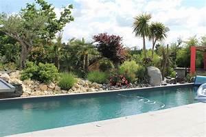 Massif Autour Piscine : bord de piscine bord de piscinegarden creart ecosculpture la nature au bord de sa piscine ~ Farleysfitness.com Idées de Décoration