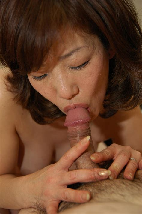this brunette mature japanese milf sexy women in