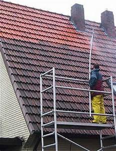 Moos Entfernen Dach : dachziegel reinigen und moos entfernen kosten methode ~ Orissabook.com Haus und Dekorationen