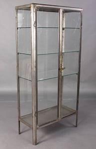 Vitrine Metall Glas : vintage metal vitrine recycling the past architectural salvage ~ Whattoseeinmadrid.com Haus und Dekorationen