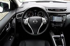 Interieur Nissan Qashqai : file nissan qashqai 1 6 dci all mode 4x4i tekna interieur cockpit innenraum jpg wikimedia commons ~ Medecine-chirurgie-esthetiques.com Avis de Voitures