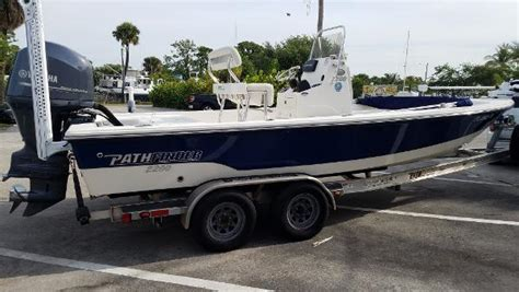 Pathfinder Boats Merchandise by 2013 Pathfinder 2200 Trs 22 Foot 2013 Pathfinder Boat In