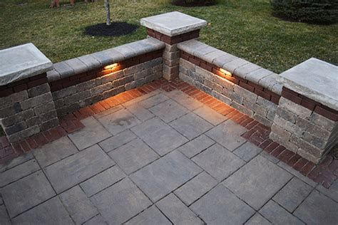 paver patio with accent band seating walls and led