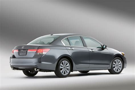 Honda Accord Ex by Honda Restyles The Accord For 2011