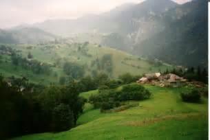 Landschaft zwischen Bran (Törzburg) und Piatra Craiului ...