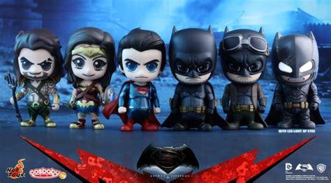 hot toys reveal  batman  superman cosbaby figures