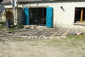terrasse en palettes recyclees auto renovation With parquet en palette