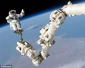 Astronauts at risk of hip fractures later in life as space ...