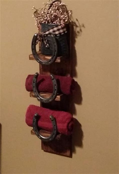 pallet  horseshoe bathroom towel rack pallet