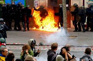 France labour riots: Horror as police officers set on fire ...
