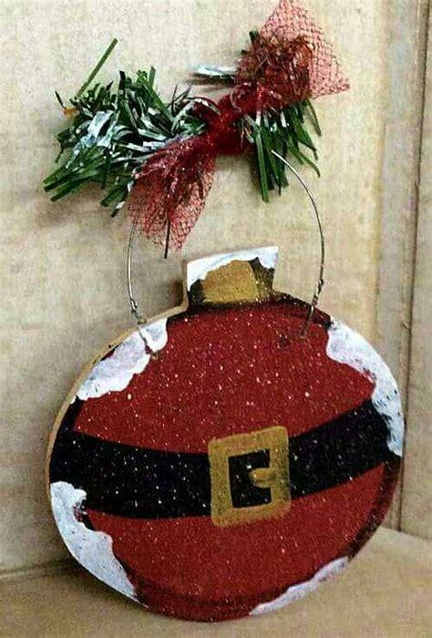 funny santa themed decor ideas  christmas shelterness