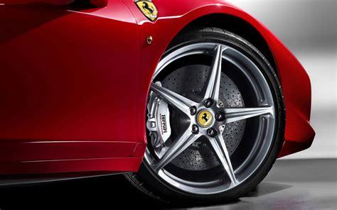 Free Ferrari 458 Italia Luxury Sports Car Desktop Wallpapers