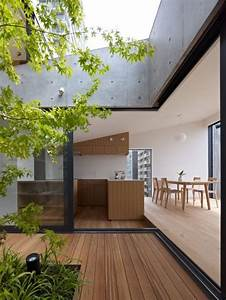 Grass building japan design minimalist house and for Interior design grass wall