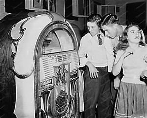 Old Soul Retro Times  Wurlitzer Jukeboxes Rock The 1940 U0026 39 S