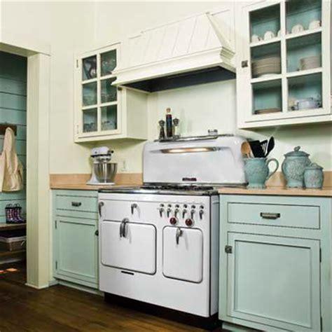 kitchen pastel colors editors picks our favorite cottage kitchens editor 2422