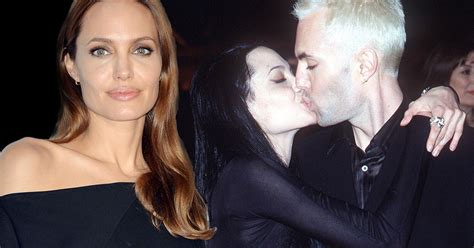 spain actress kiss angelina jolie s incest kiss explained actress former