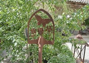 Decoration Jardin Metal : deco jardin fer deco bois jardin maisondours ~ Teatrodelosmanantiales.com Idées de Décoration