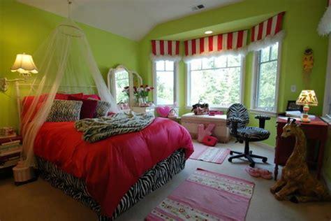 decoration zebre chambre déco chambre originale aux imprimés zèbre design feria