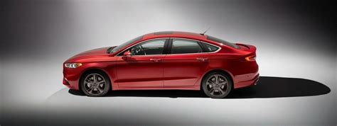 2020 Ford Fusion Pictures