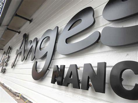 signetik sign etik nancy fabrication lettres enseignes relief en pvc 10 mm