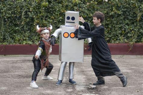 robot diy cardboard box halloween costumes