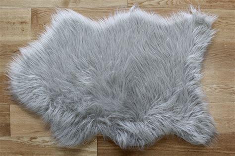 faux sheepskin rug silver grey fluffy plain bedroom faux fur fur non