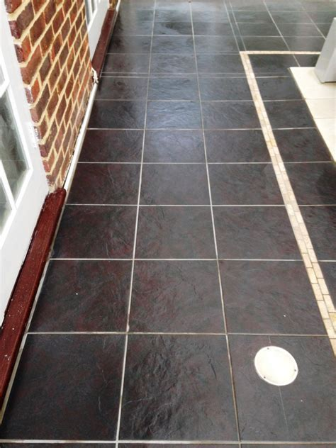 Removing Limescale from Porcelain Swimming Pool tiles in