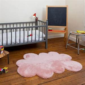 Tapis Forme Nuage : la couleur rose poudr dans la d co int rieure ~ Teatrodelosmanantiales.com Idées de Décoration