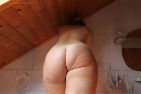 Sarah Big Butt Me Nude Playing Around In My Bathroom