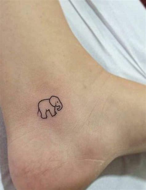 10 singular object s tatouages de lune tatouages et petits tatouages au poignet
