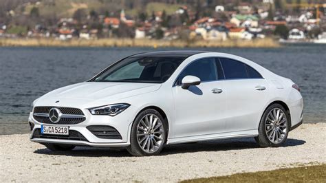 mercedes benz cla  coupe digital white metallic