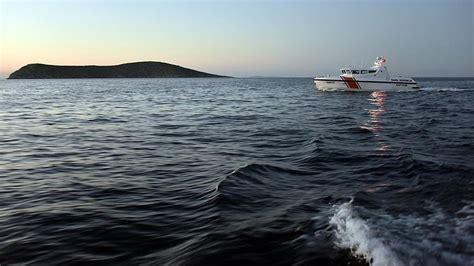 Turkey Refugee Boat Sinks by Refugee Boat Sinks Off Turkey S Western Coast 20 Dead