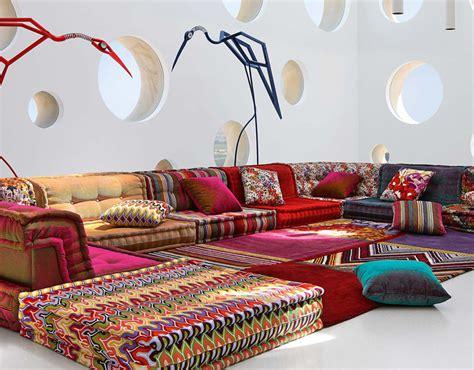 canapé en tissus papiers peints de marques inspiration décoration