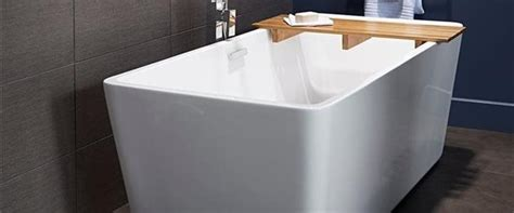 Wide Soaking Tub by 4 Sensible Affordable Ways To Give Your Bathroom Spa Like
