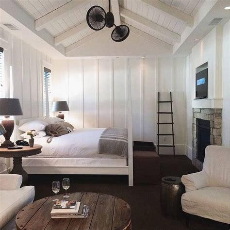 modern cottage bedroom best 25 modern cottage ideas on modern 12556 | 0f77118eba3577b51cce82a8718030f4 modern farmhouse bedroom small modern farmhouse plan