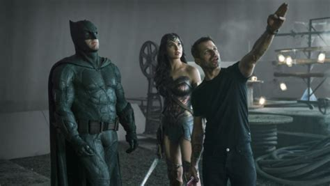 Zack Snyder to Shoot New Justice League Scenes in October ...