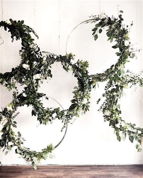 Giant Wedding Wreaths How Tos On A Budget For The New