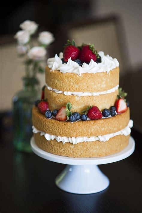 diy wedding tips naked cake trish barker photography