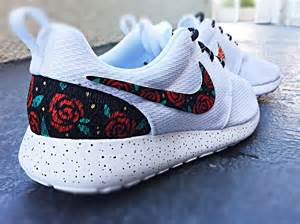 design roshe run custom nike roshe run design floral from custom sneakz